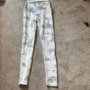 Grey and white tie dye leggings